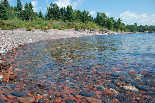 Photo of the shores of Lake Superior in Schroeder, Minnesota